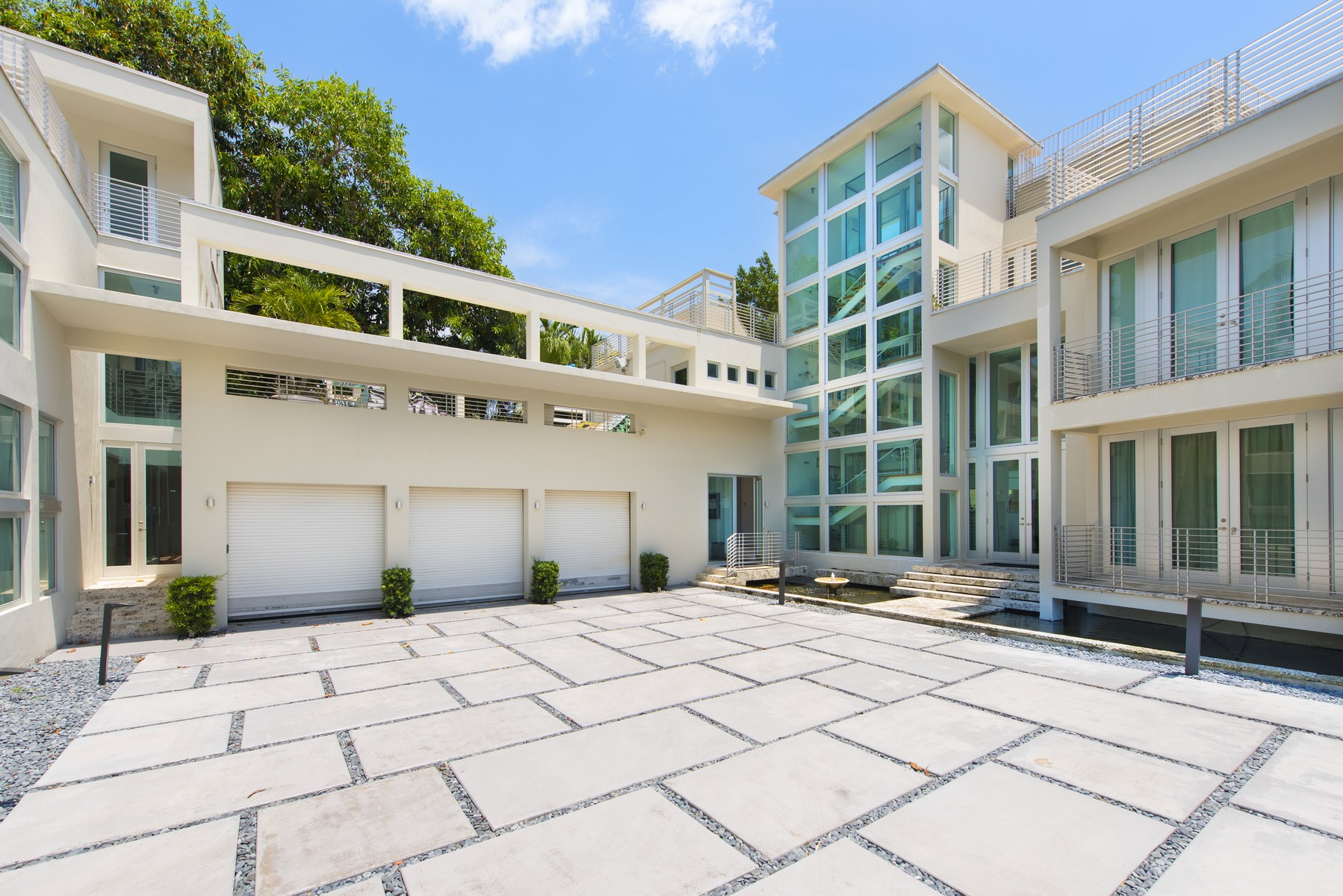 Single Family Home for Sale at 94 La Gorce 94 La Gorce Cir Miami Beach, Florida 33141 United States
