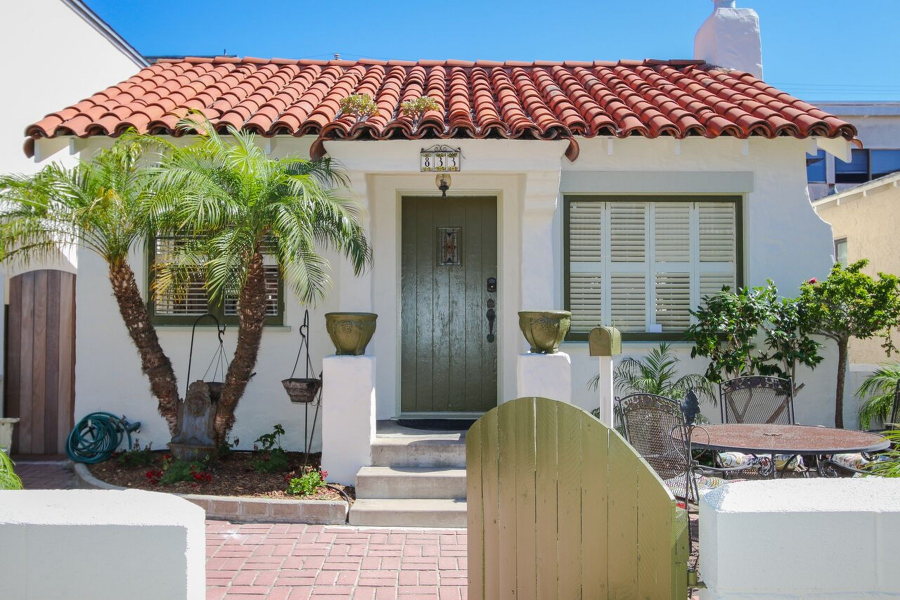 Single Family Home for Sale at Island Court 833 Island Court San Diego, California 92109 United States