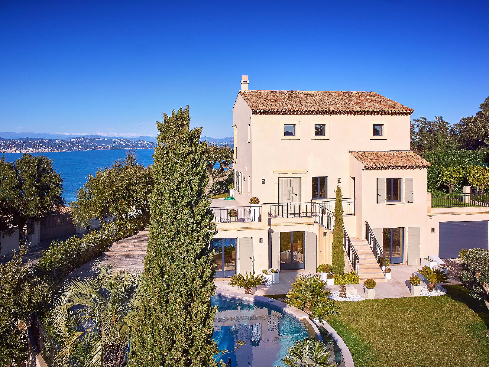 Single Family Home for Sale at Luxurious villa with breathtaking sea views over the golfe of St-Tropez Gassin Gassin, Provence-Alpes-Cote D'Azur, 83580 France
