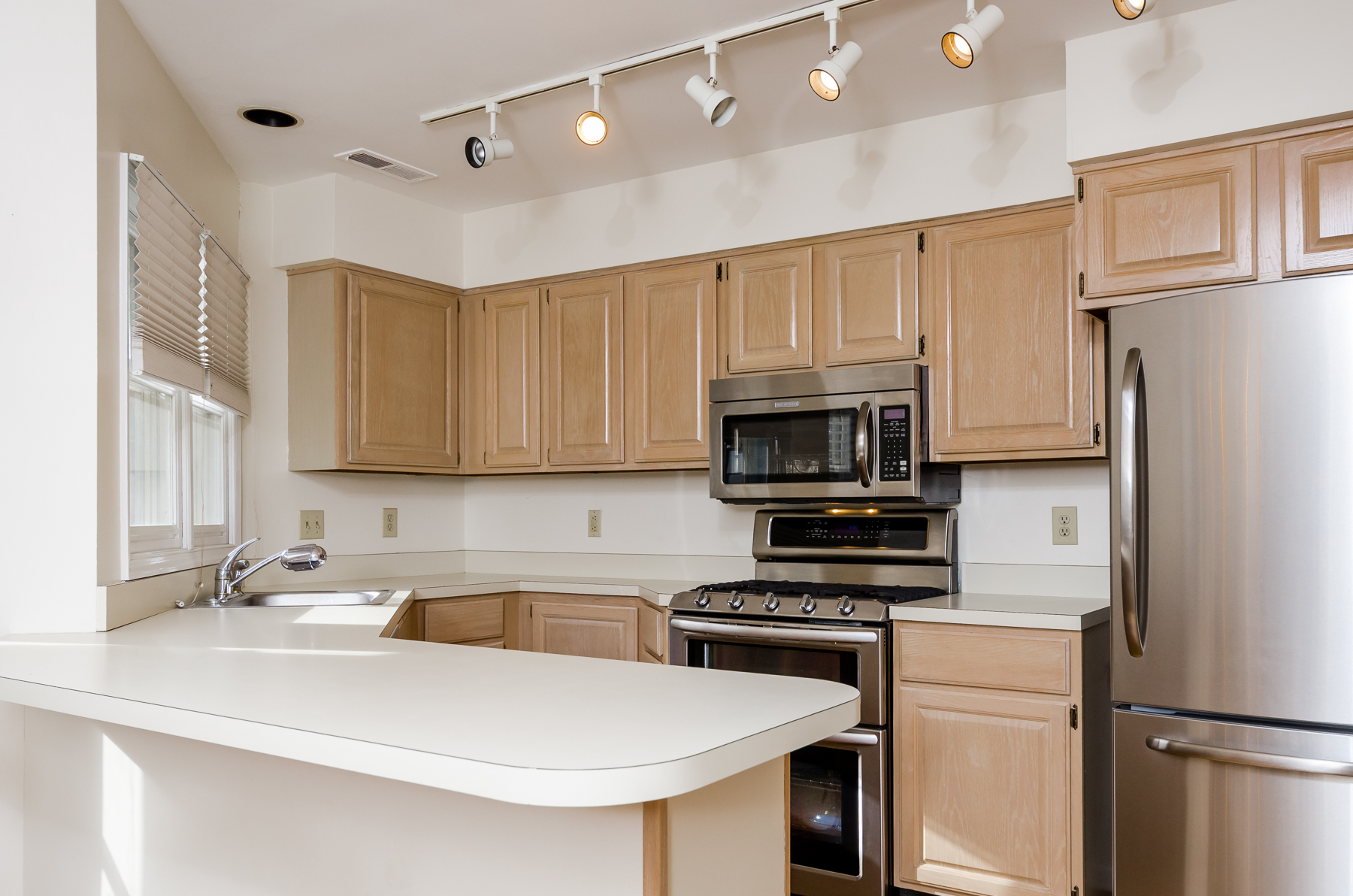 Additional photo for property listing at Simply Sensational 3 Raritan Pointe Lambertville, Nueva Jersey 08530 Estados Unidos