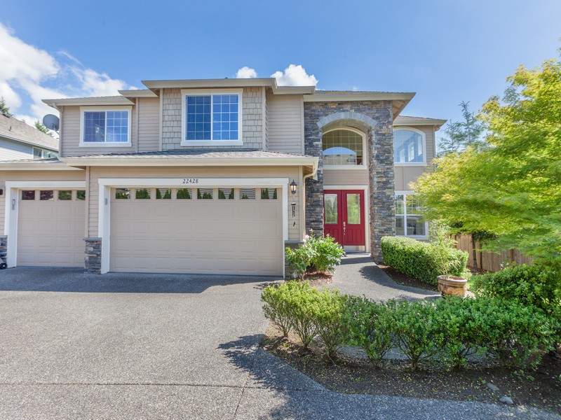Nhà ở một gia đình vì Bán tại Exquisite Bothell Home 22428 5TH Place W Bothell, Washington 98021 Hoa Kỳ