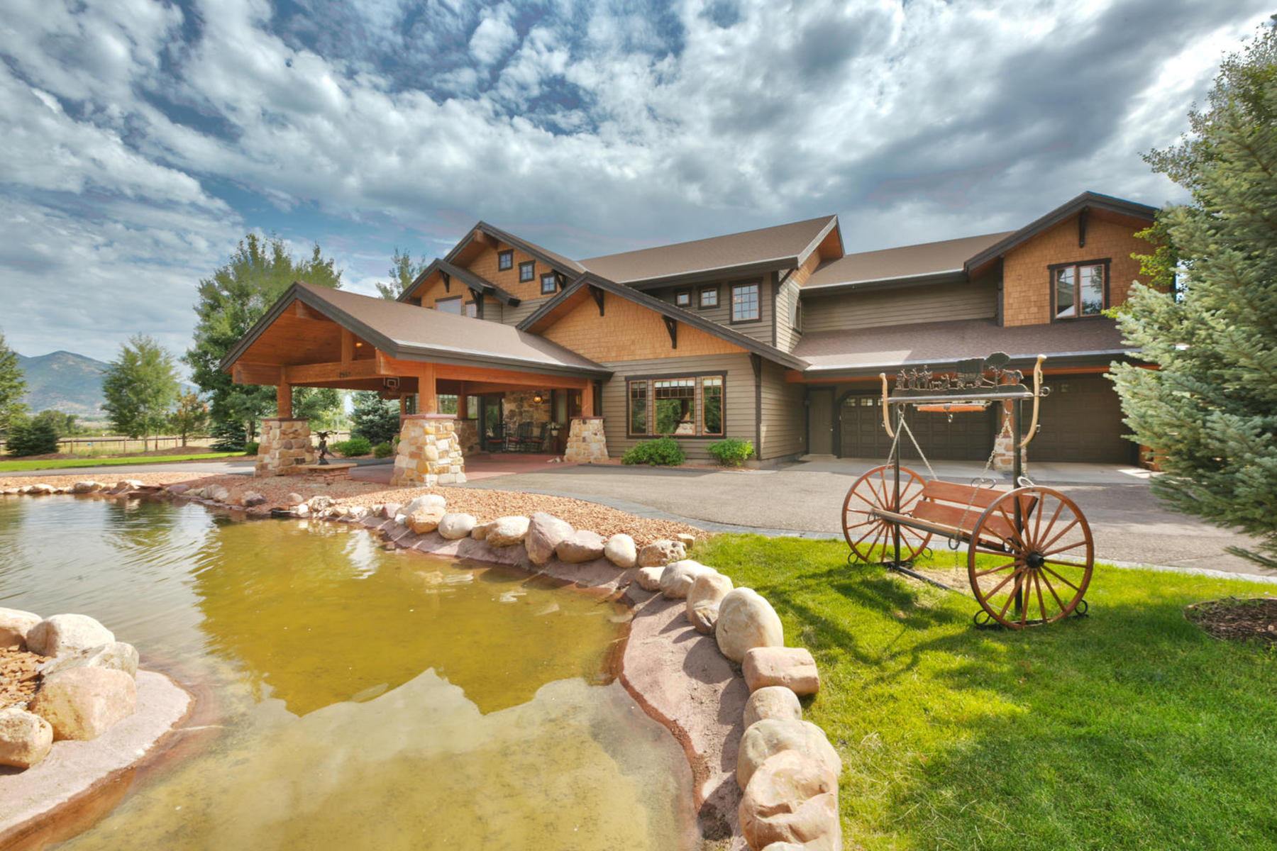 Villa per Vendita alle ore Lovely & Hard to find 4 Acre Horse Ranch w/Barn & Mother-in-law in Charleston 2957 West Winterton Rd Charleston, Utah 84032 Stati Uniti