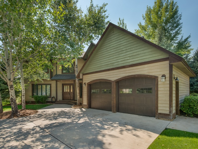 Single Family Home for Sale at Blue Lake 353 Goose Lane Carbondale, Colorado 81623 United States