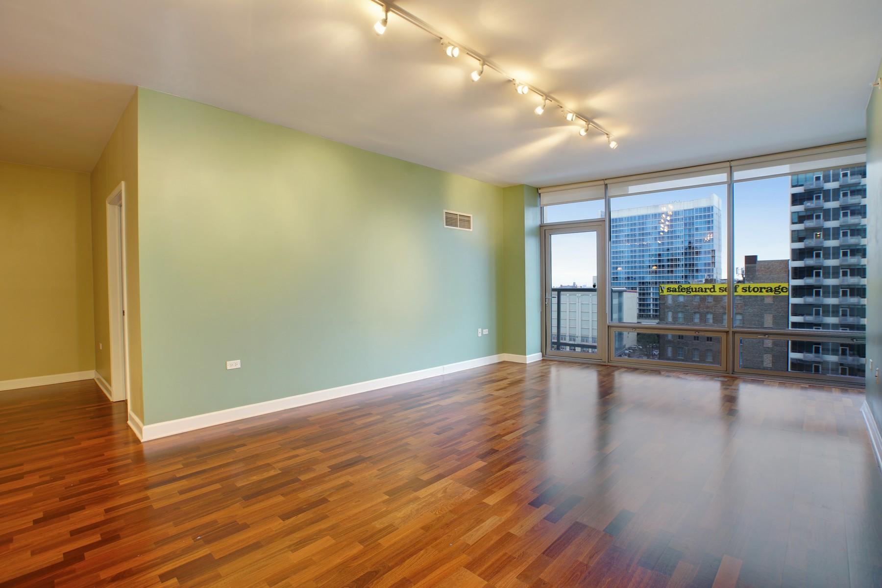 共管式独立产权公寓 为 销售 在 Beautiful Two Bedroom Plus Den 100 E 14h Street Unit 907 Near South Side, 芝加哥, 伊利诺斯州 60605 美国