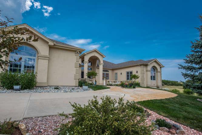 Maison unifamiliale pour l Vente à 4596 High Spring Rd Castle Rock, Colorado, 80104 États-Unis