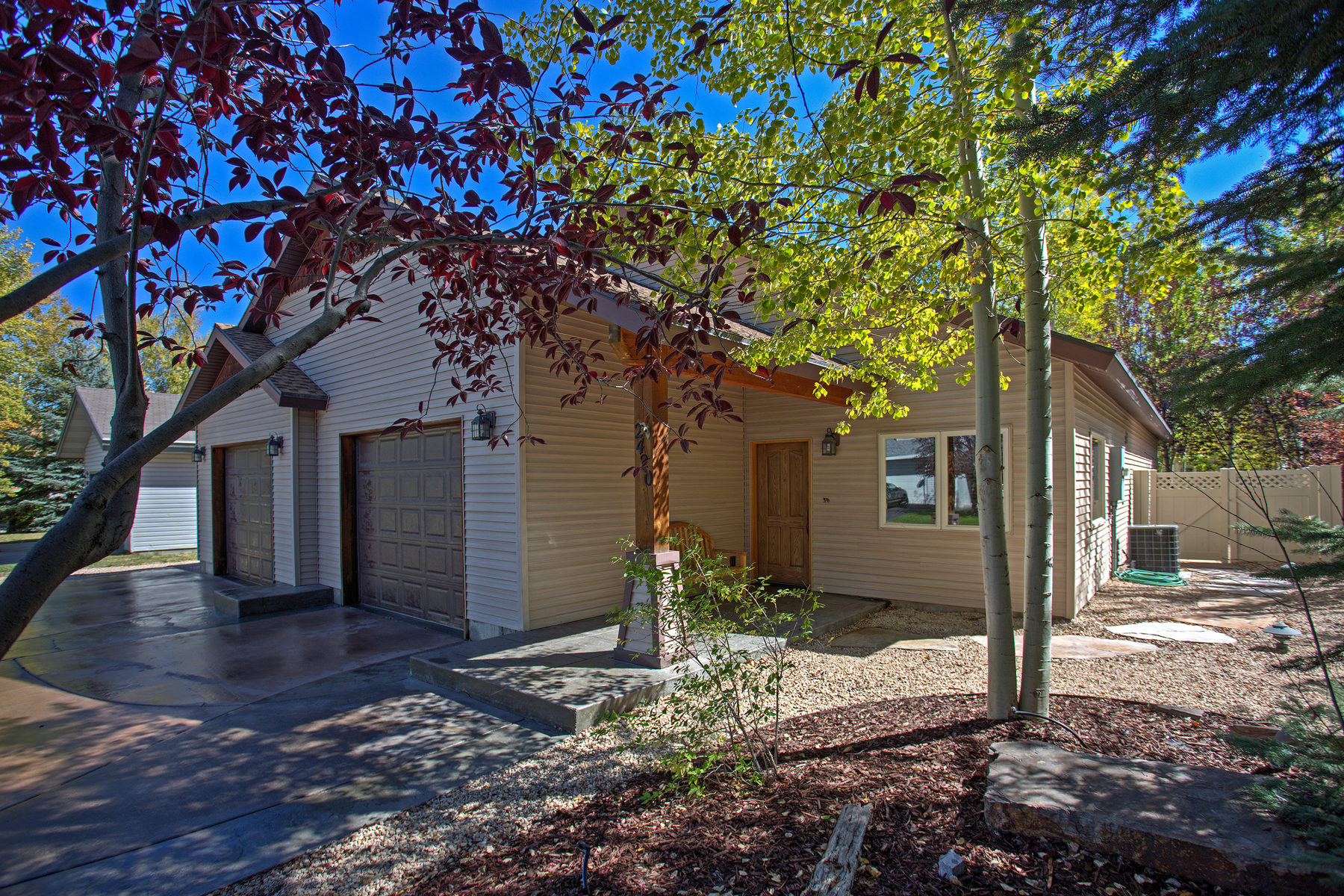 sales property at Comfortable Rambler with all of the extra bonuses in Prospector!