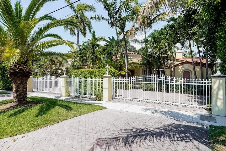 Maison unifamiliale pour l Vente à 3748 Prairie Ave Miami Beach, Florida 33140 États-Unis