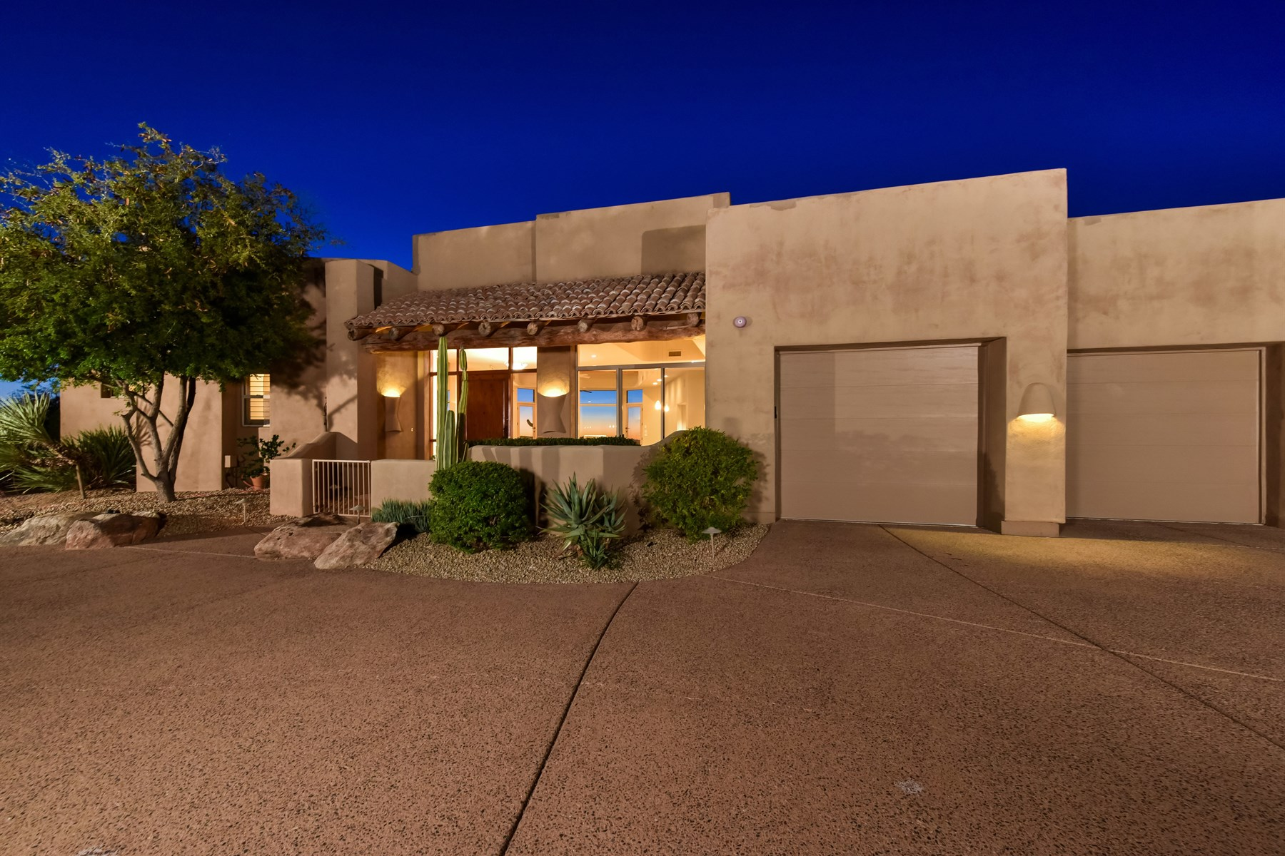 Single Family Home for Sale at Territorial accents and direct views of the infamous Pinnacle Peak 10684 E Candlewood Dr Scottsdale, Arizona, 85255 United States