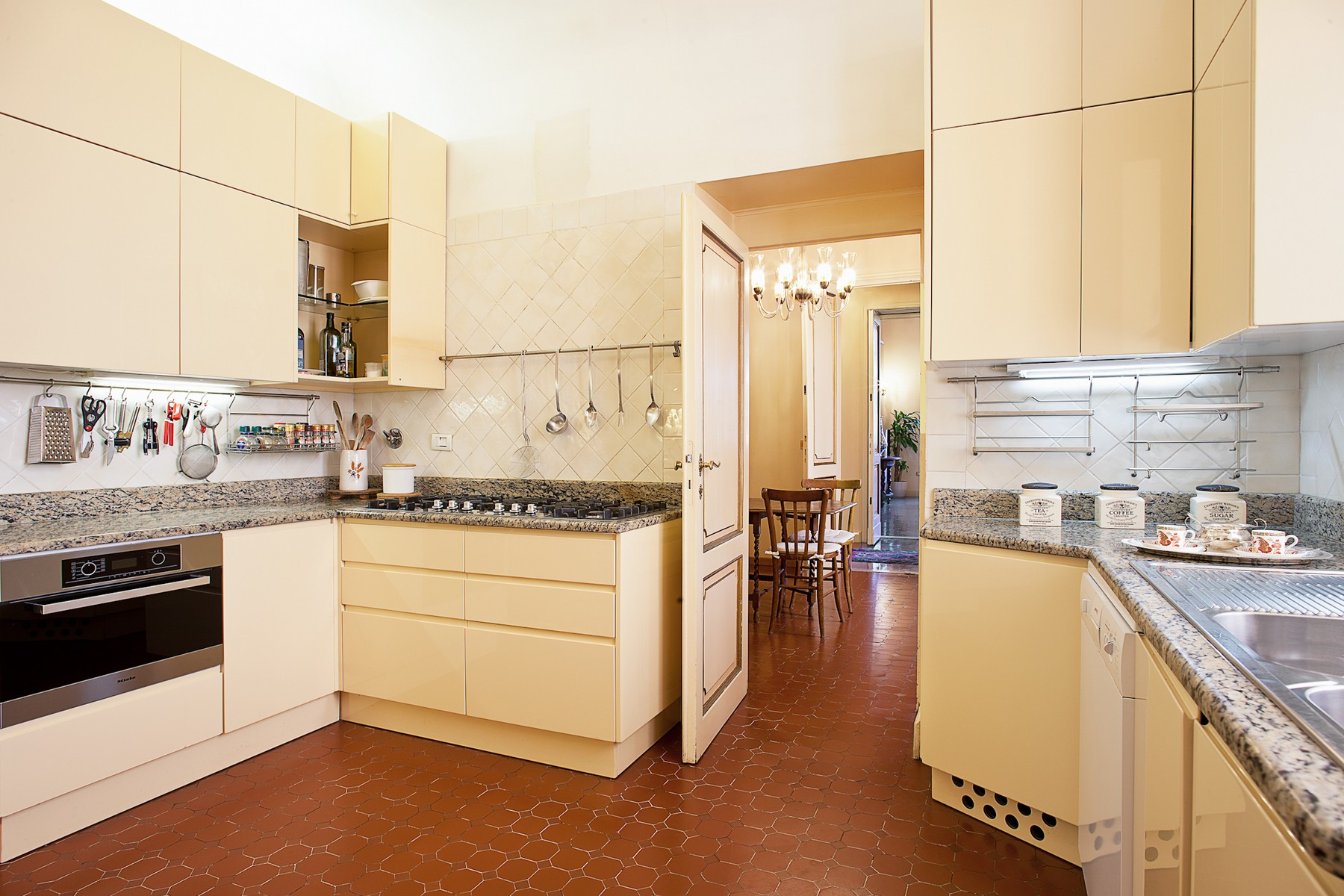 Additional photo for property listing at Luxury apartment in the center of Florence Firenze, Florence Italy