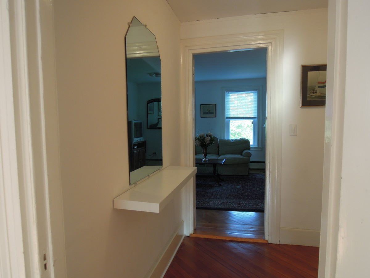 Additional photo for property listing at Condo at Friedheim 89 Harrison Avenue Unit #2 Newport, Rhode Island 02840 Estados Unidos
