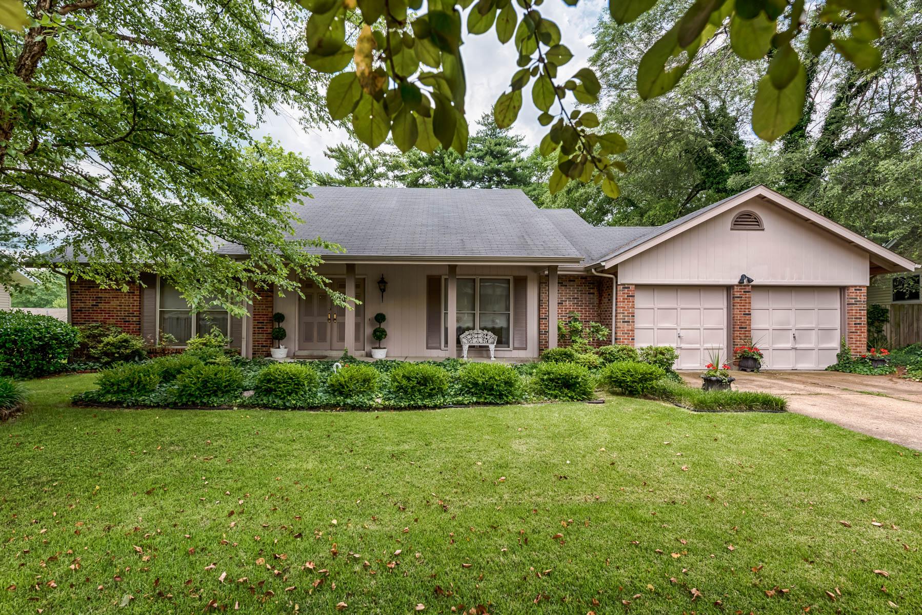 Casa para uma família para Venda às Somerton Ridge Dr 12874 Somerton Ridge Dr Creve Coeur, Missouri 63141 Estados Unidos