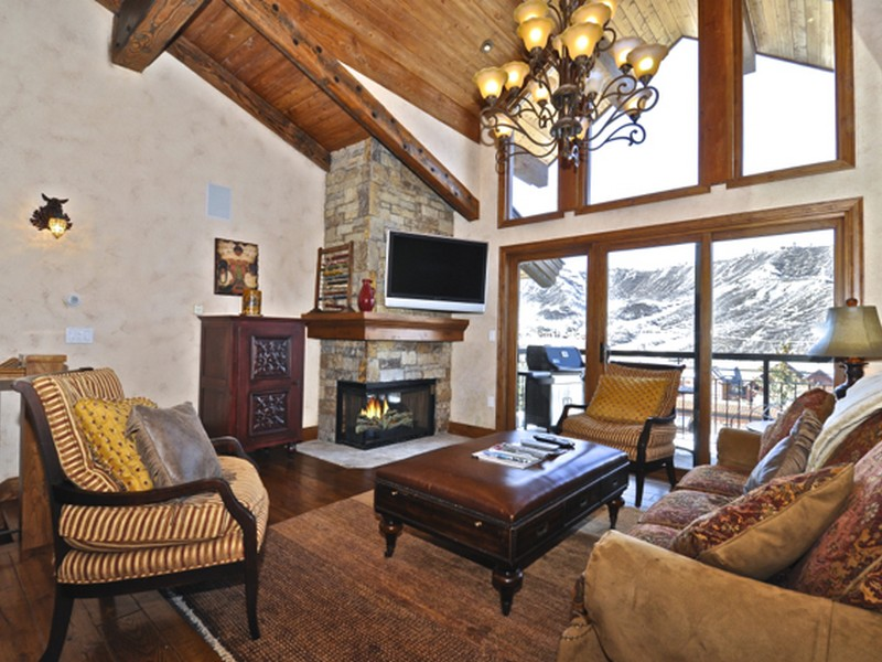 Townhouse for Sale at Crestwood 2209 400 Wood Road Unit 2209 Snowmass Village, Colorado 81615 United States