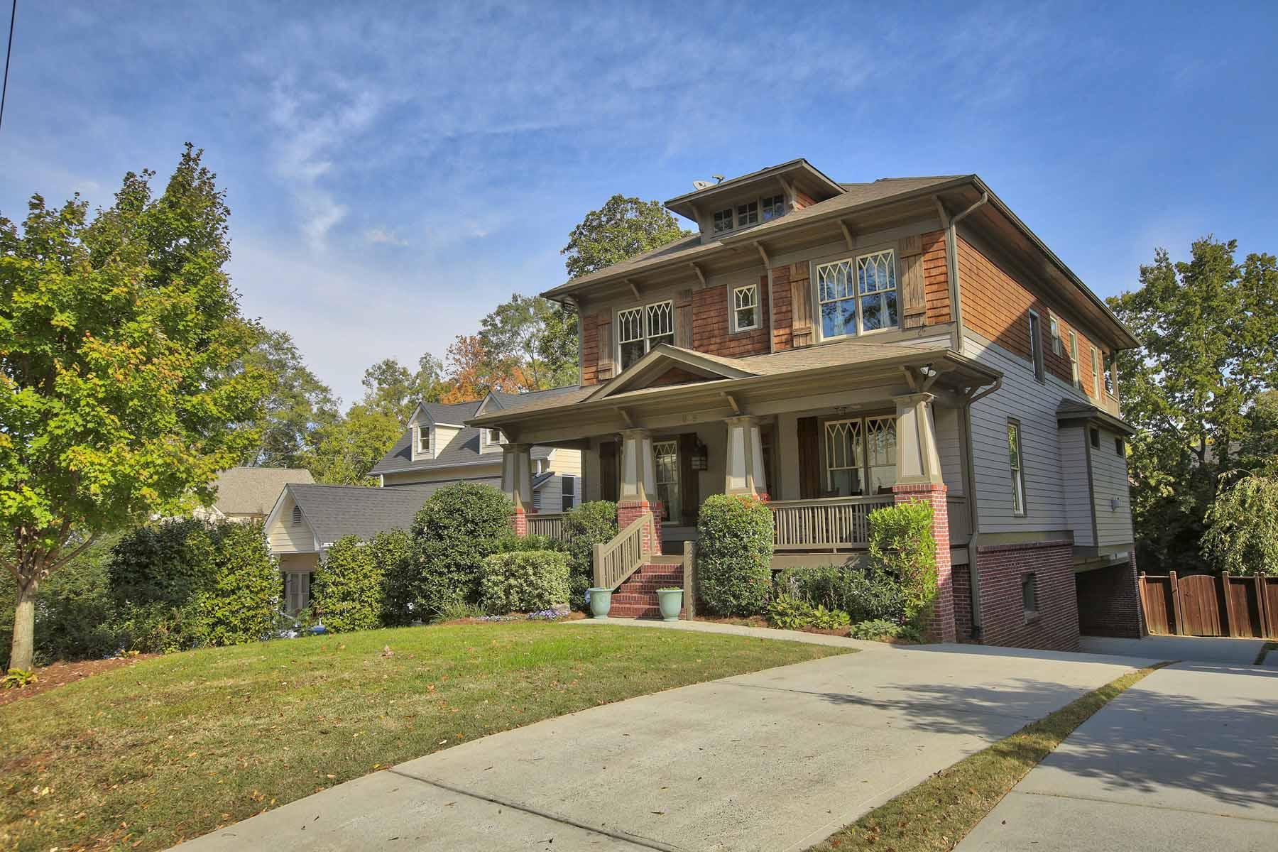 Casa para uma família para Venda às Elegant Craftsman Home Steps from Shops & Restaurants in Brookhaven 2629 Apple Valley Road Atlanta, Geórgia, 30319 Estados Unidos