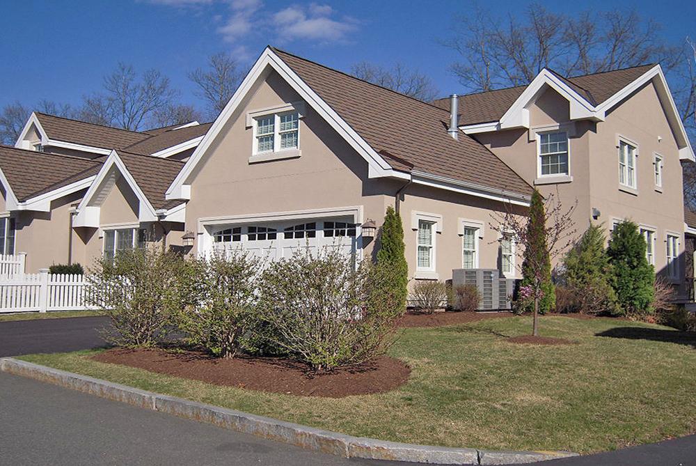 """Copropriété pour l Vente à """"THE NEWTON TERRACES CONDOMINIUM"""" 287 Langley Road Unit 36 Newton, Massachusetts 02459 États-Unis"""