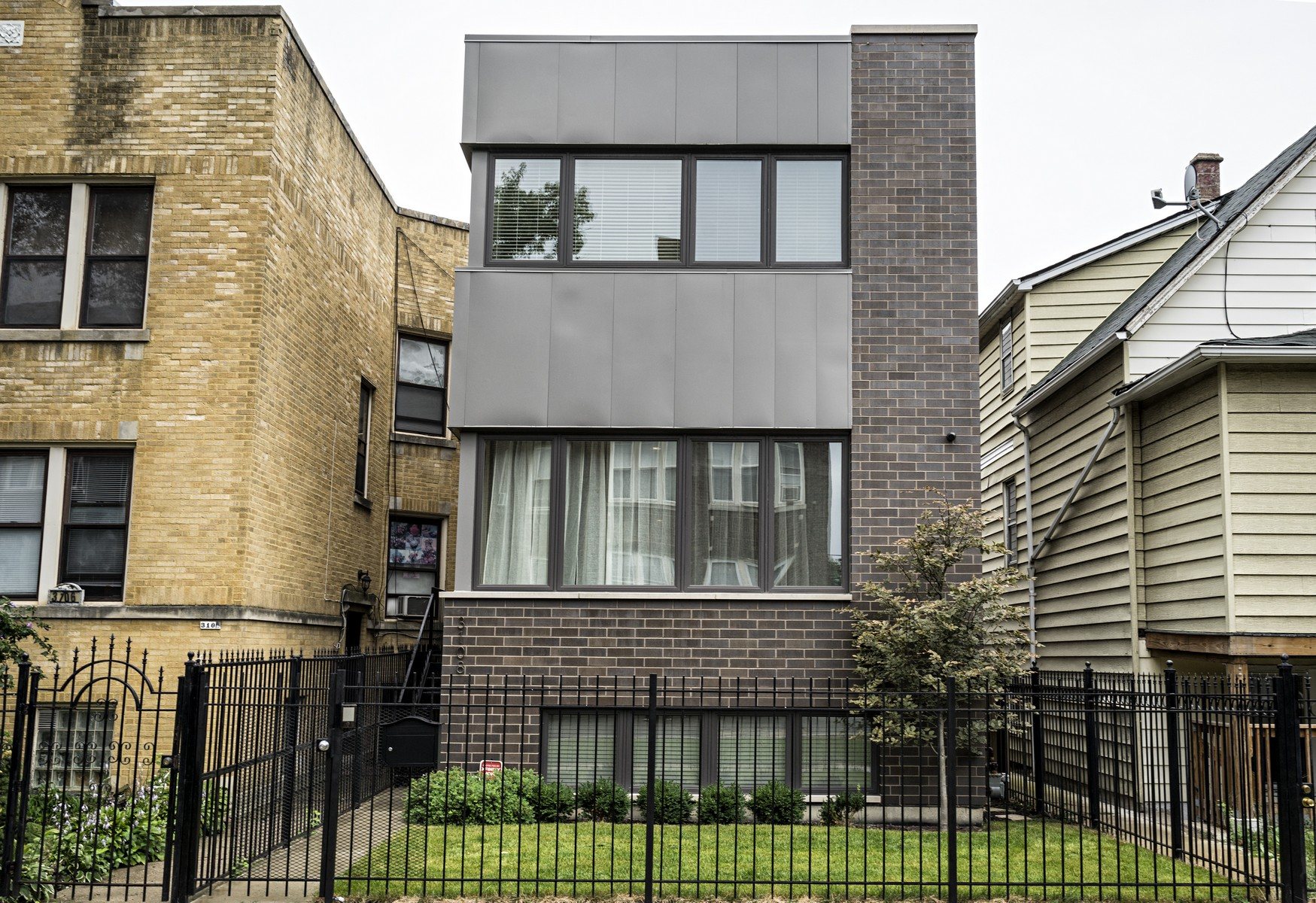단독 가정 주택 용 매매 에 Immaculate Avondale Home 3108 N Francisco Avenue Avondale, Chicago, 일리노이즈, 60618 미국