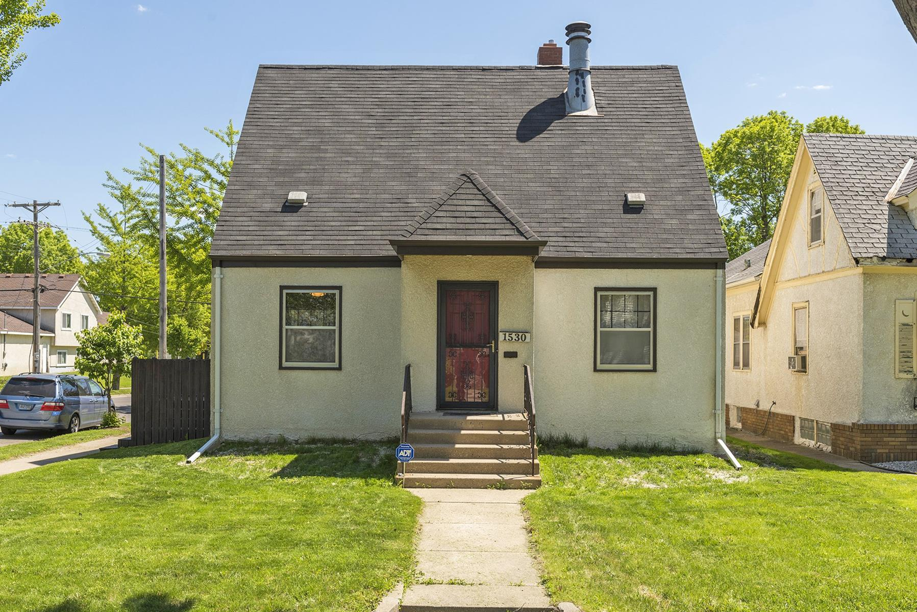 Single Family Home for Sale at 1530 Queen Avenue N Willard-Hay, Minneapolis, Minnesota, 55411 United States
