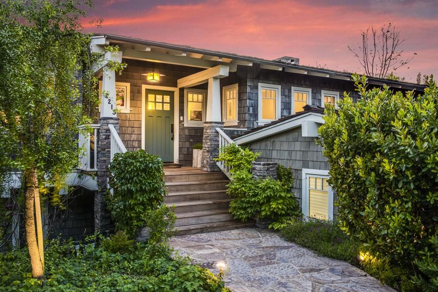 Villa per Vendita alle ore 2213 Via La Brea Palos Verdes Estates, California 90274 Stati Uniti