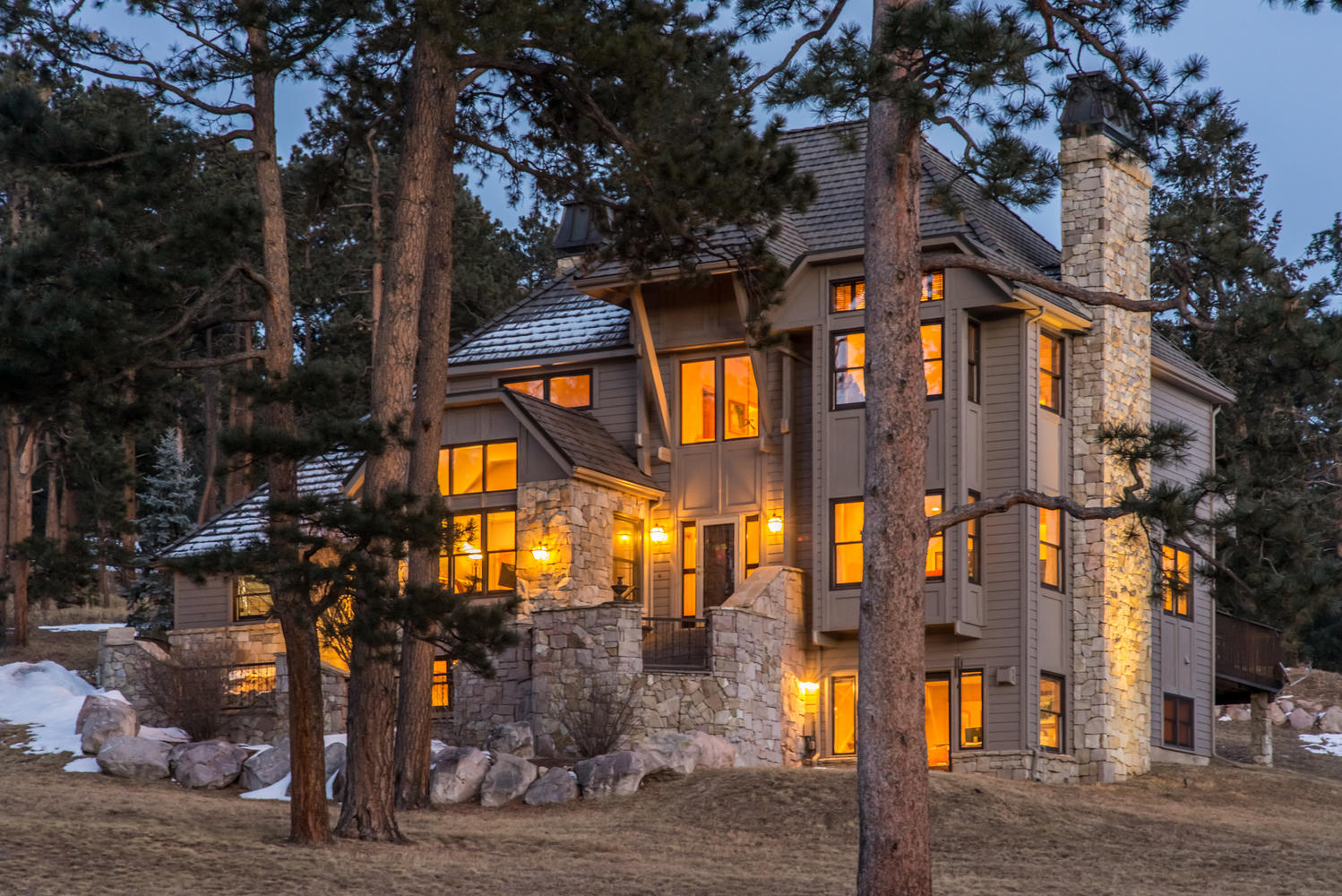 Частный односемейный дом для того Продажа на Executive retreat surrounded by towering pines & mountain views 7176 Timbers Drive Evergreen, Колорадо, 80439 Соединенные Штаты