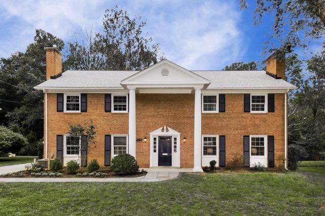 獨棟家庭住宅 為 出售 在 McLean VA Colonial 6224 Hardy Dr McLean, 弗吉尼亞州, 22101 美國