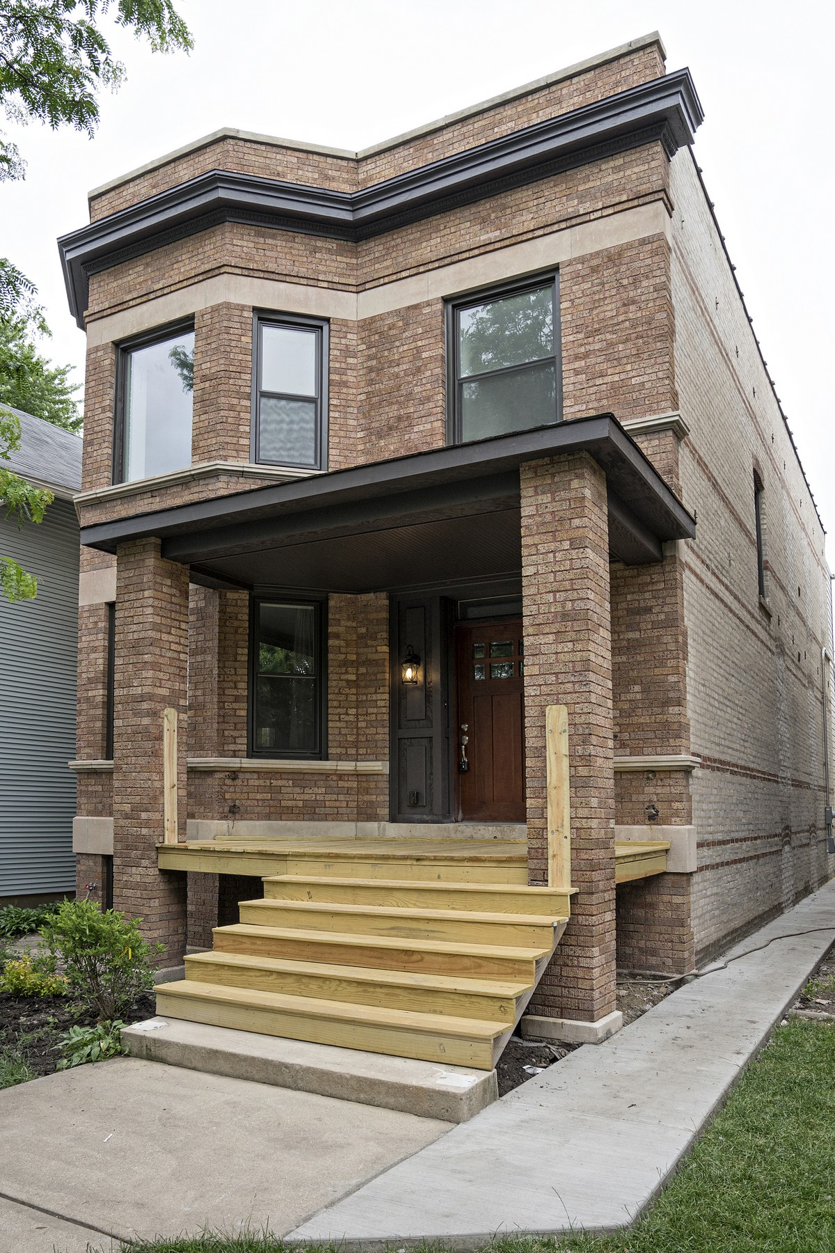 Casa para uma família para Venda às Gorgeous New Rehabbed Home 4534 N Maplewood Avenue Lincoln Square, Chicago, Illinois, 60625 Estados Unidos