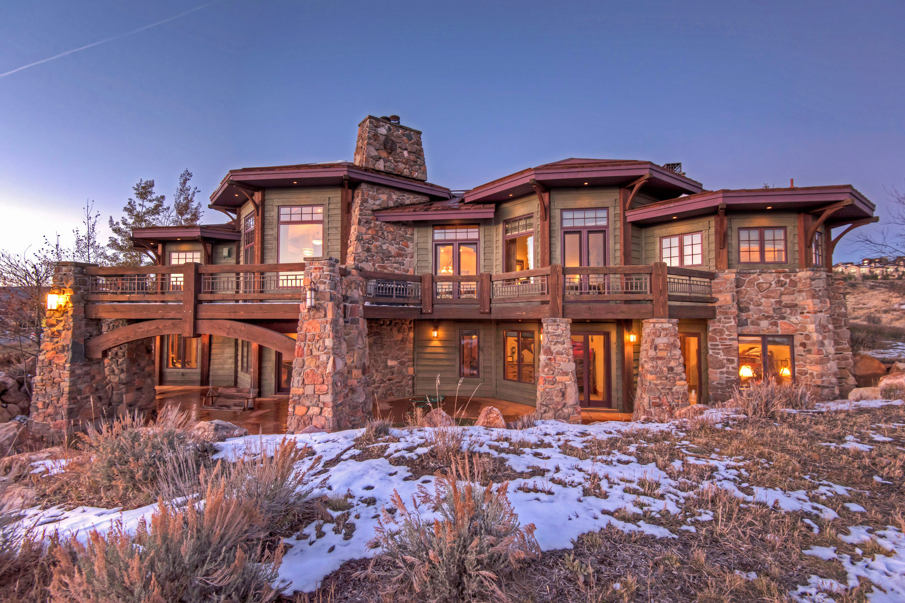Villa per Vendita alle ore Perfected Promontory Family Home 7580 N West Hills Trail Park City, Utah 84098 Stati Uniti
