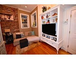 Nhà tập thể vì Bán tại Meticously renovated tri-level home 46 Lewis St Unit B North End, Boston, Massachusetts 02113 Hoa Kỳ