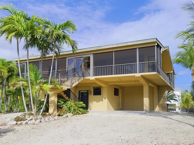 Maison unifamiliale pour l Vente à Desriable Location 1512 Shaw Drive Key Largo, Florida 33037 États-Unis
