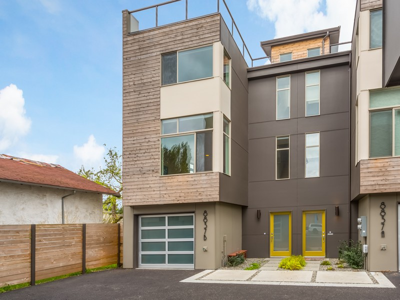 sales property at Greenlake Townhouse