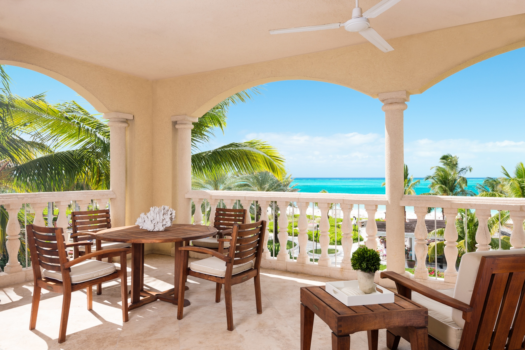 Piso por un Venta en Grace Bay Club - Suite C301/302 Grace Bay Resorts, Grace Bay, Providenciales Islas Turcas Y Caicos