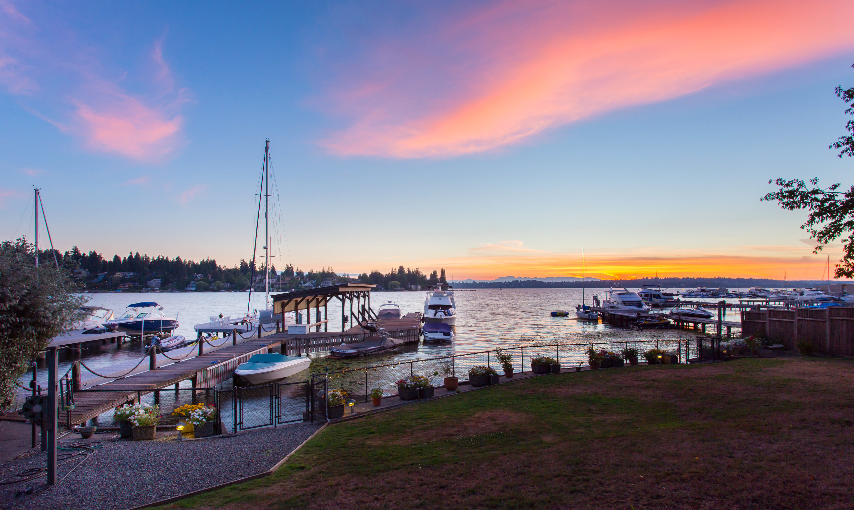 Terreno por un Venta en Premier Kirkland Waterfront Living 4635 Lake Washington Blvd NE Kirkland, Washington 98033 Estados Unidos