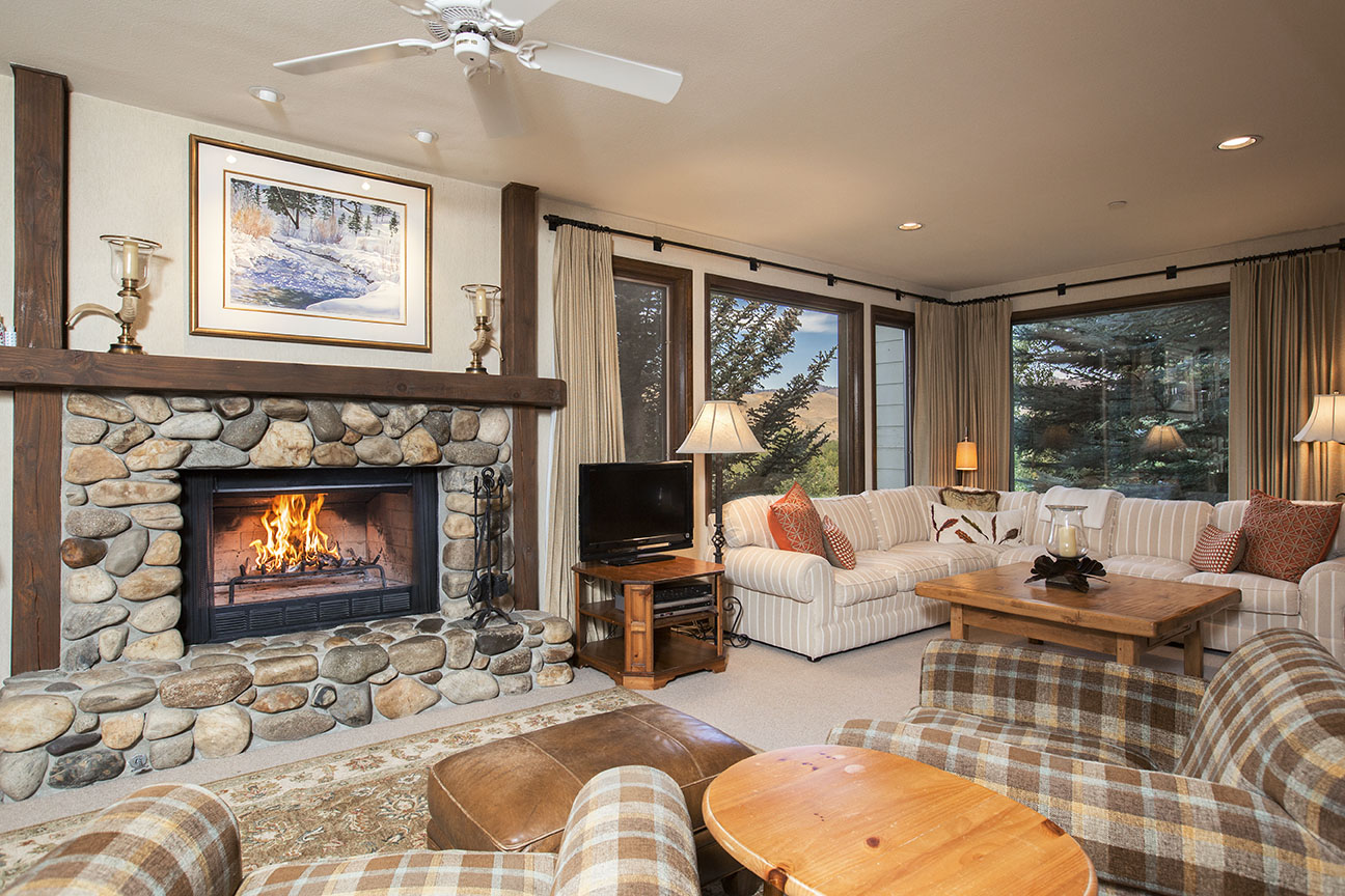 Condominium for Sale at Great Location On The Saddle With Views 235 Spur Lane #104 Ketchum, Idaho 83340 United States