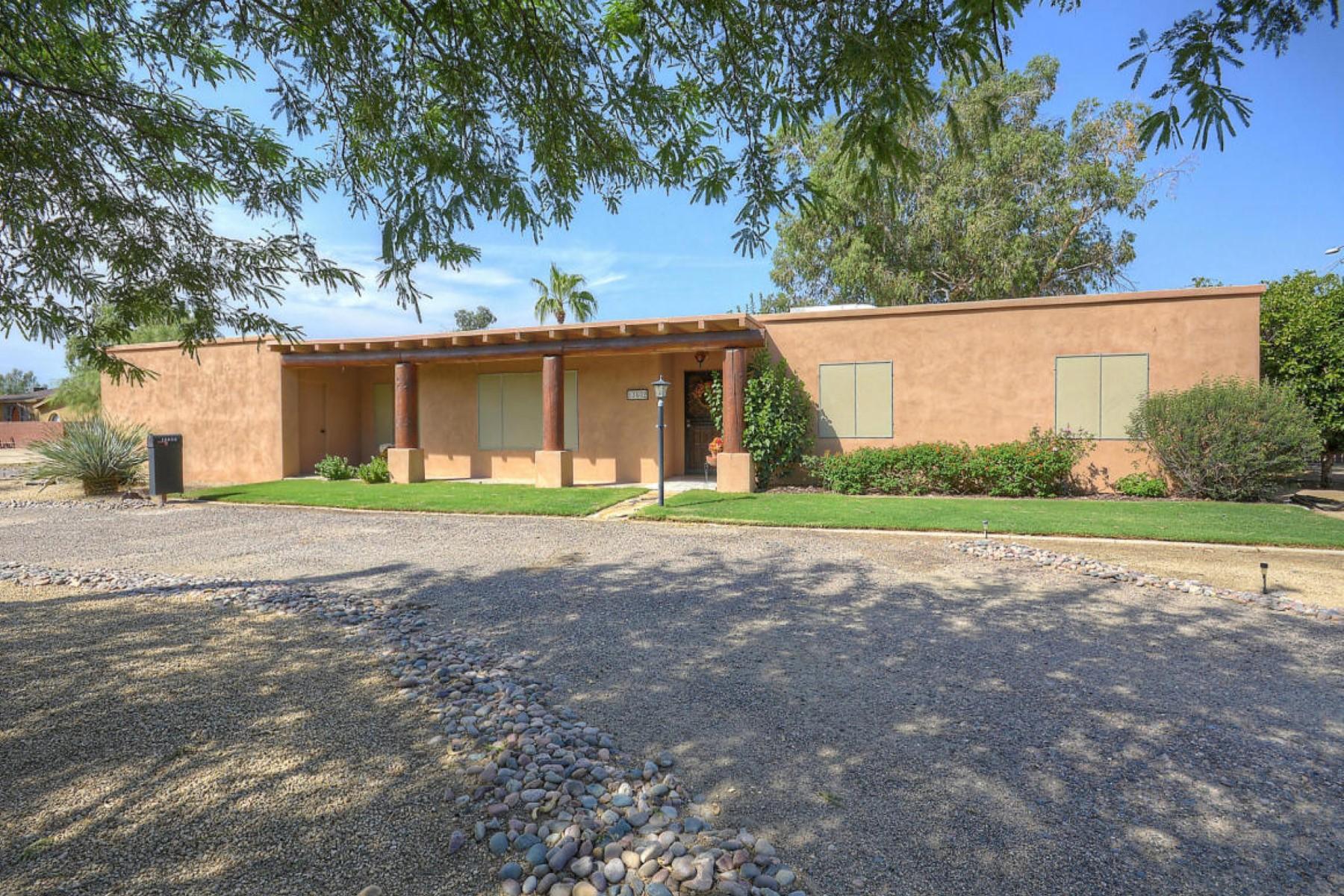 独户住宅 为 销售 在 Charming, intimate and unique describes this home 13602 N Hayden Rd 斯科茨代尔, 亚利桑那州, 85260 美国
