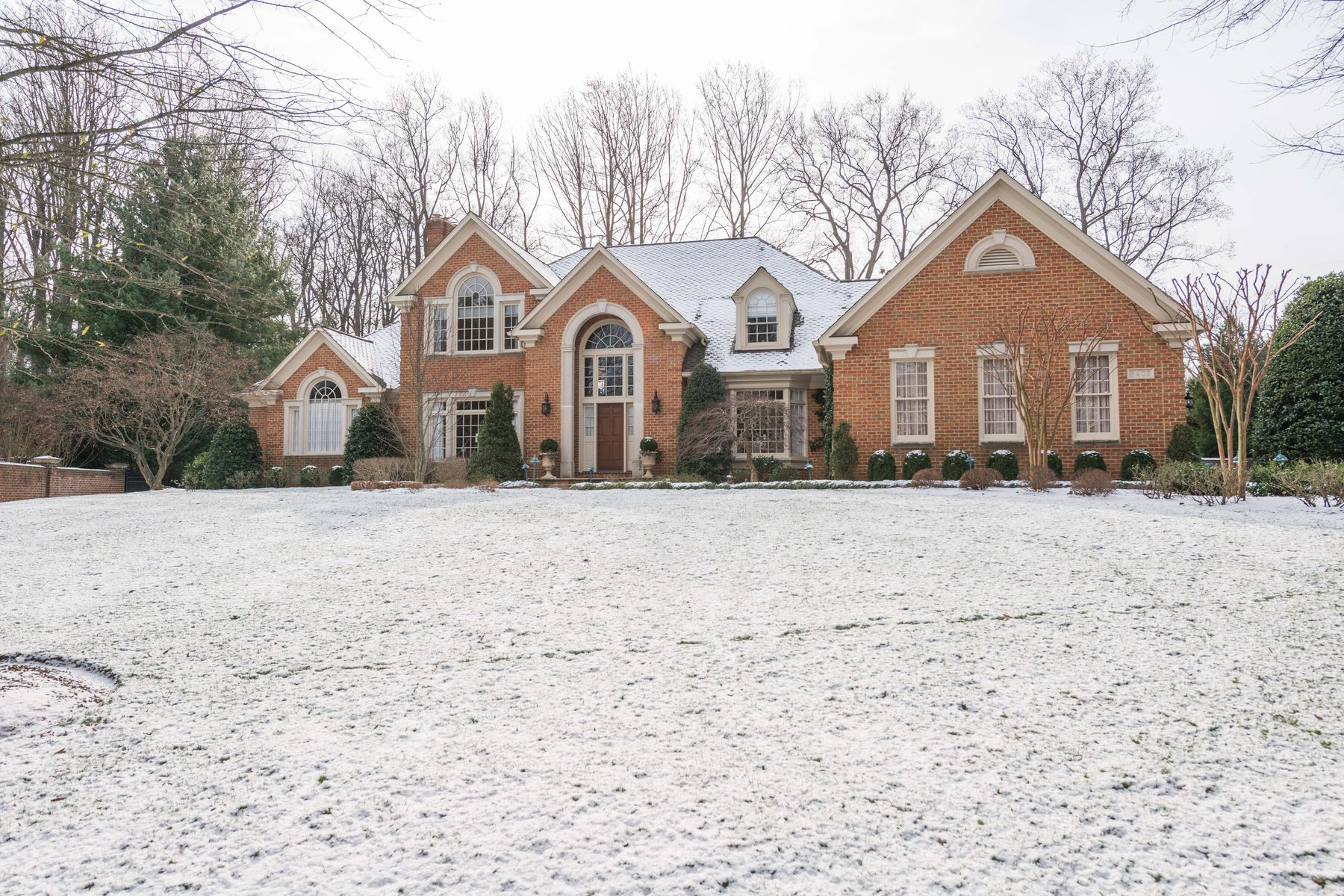 Single Family Home for Sale at 8403 Brookewood Court, Mclean 8403 Brookewood Ct McLean, Virginia 22102 United States