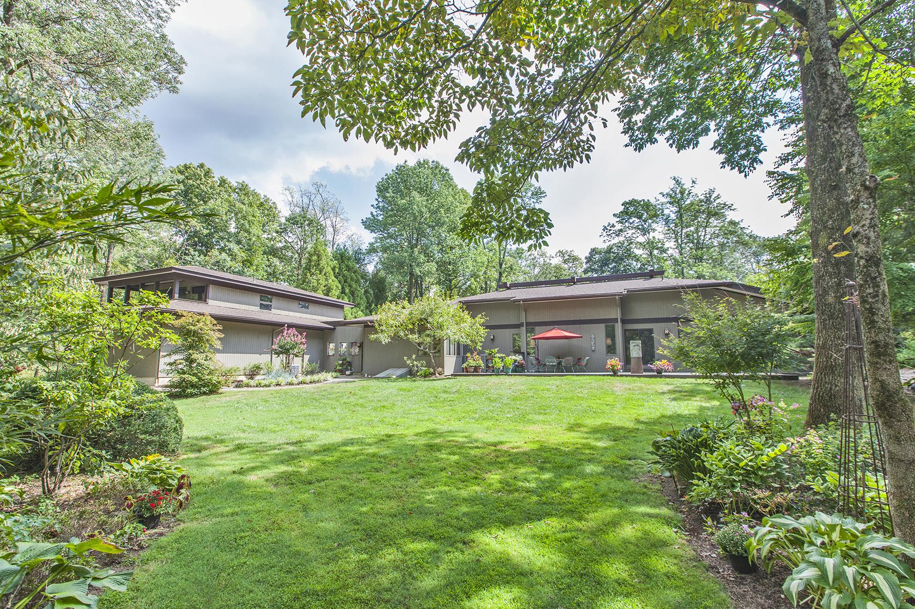 Casa Unifamiliar por un Venta en Designed for a serene lifestyle 33 White Oak Drive Princeton, Nueva Jersey 08540 Estados Unidos
