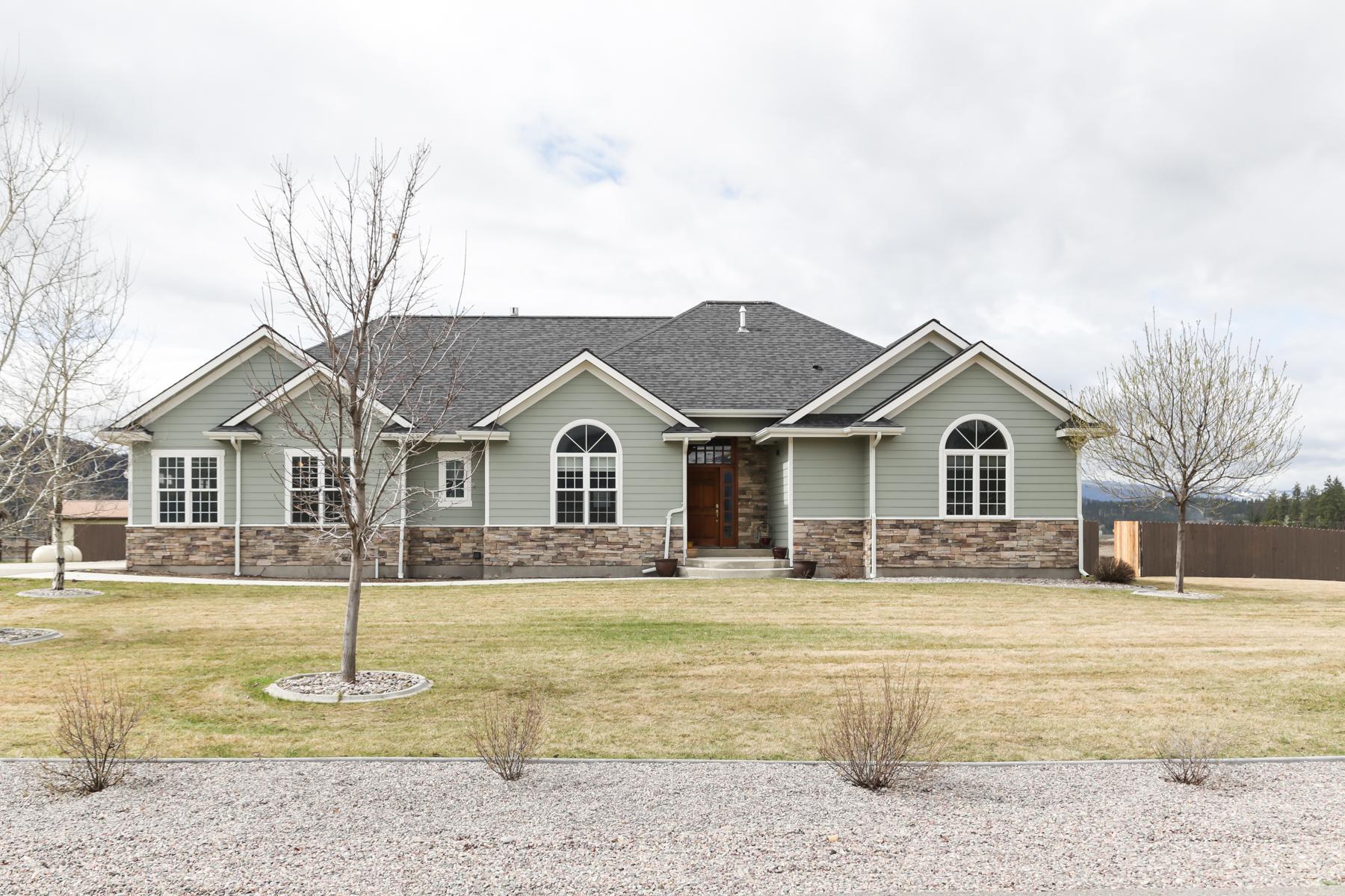Casa para uma família para Venda às 21824 Megan Drive Frenchtown, Montana 59834 Estados Unidos