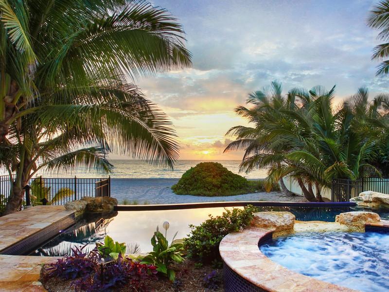 Maison unifamiliale pour l Vente à 101 Ocean Blvd 101 Ocean Blvd. Golden Beach, Florida 33160 États-Unis