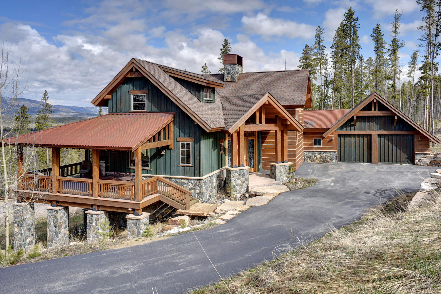 Villa per Vendita alle ore Sunning Custom Home 929 Pioneer Trail Winter Park, Colorado, 80442 Stati Uniti