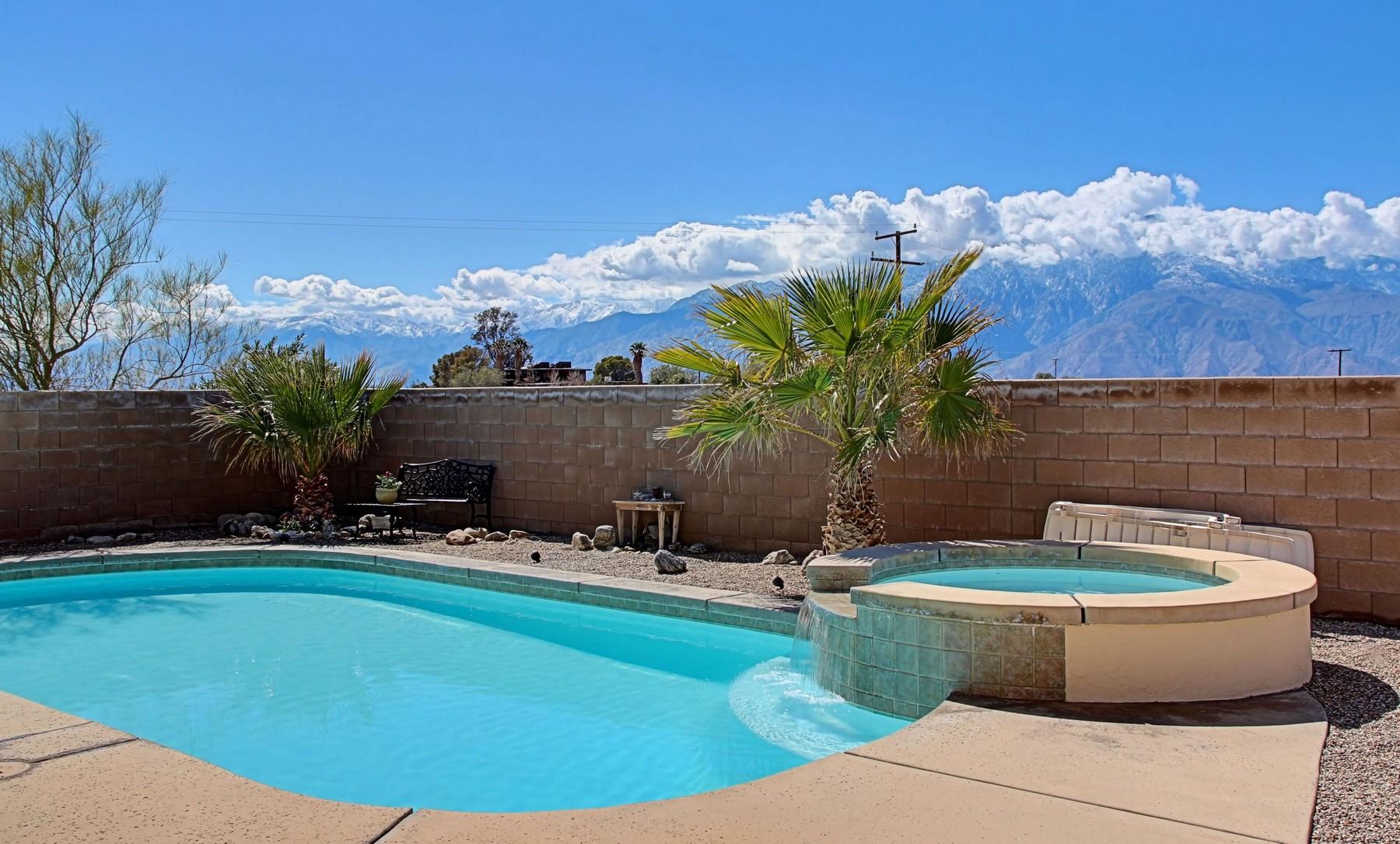 Maison unifamiliale pour l Vente à 14997 McCarger Road Desert Hot Springs, Californie 92240 États-Unis