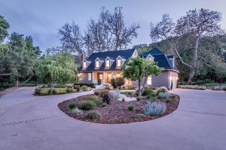 Single Family Home for Sale at Meticulously Remodeled 10425 Dover Canyon Road Templeton, California, 93465 United States