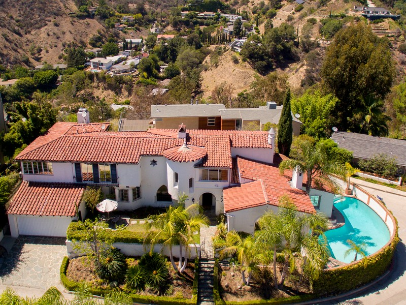 Villa per Vendita alle ore 2263 Maravilla Drive Los Angeles, California 90068 Stati Uniti