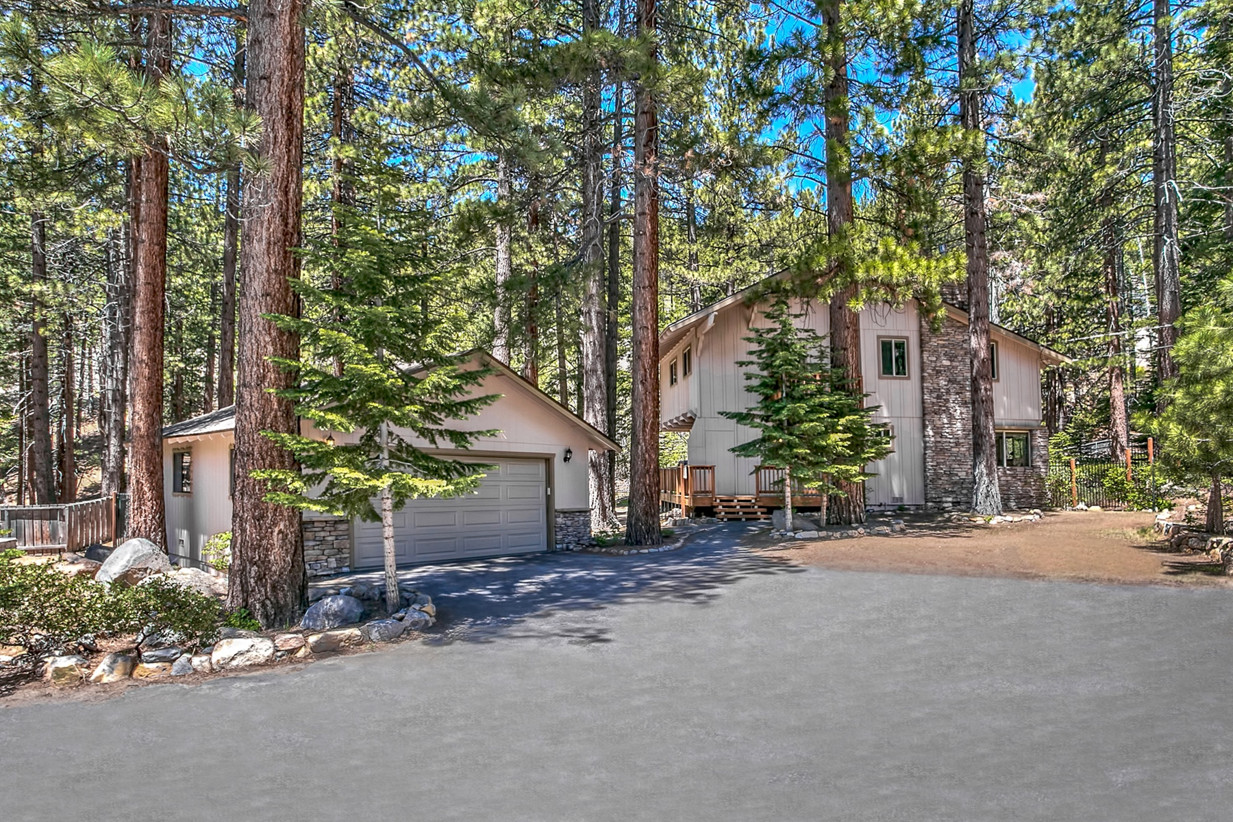 Additional photo for property listing at 551 Lucille Drive  Incline Village, Nevada 89451 United States
