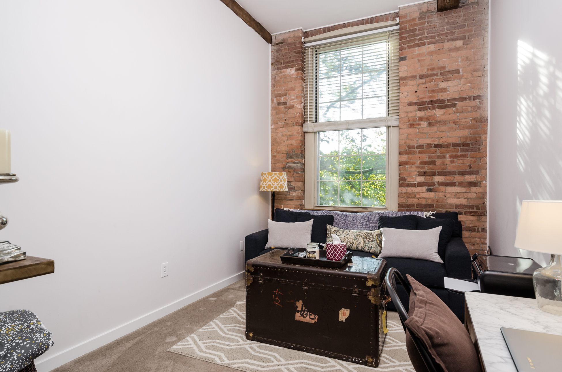 Additional photo for property listing at Chic, Loft-Style Living at The Mill - Milltown Boro 40 Washington Avenue Unit 16 Milltown, New Jersey 08850 États-Unis