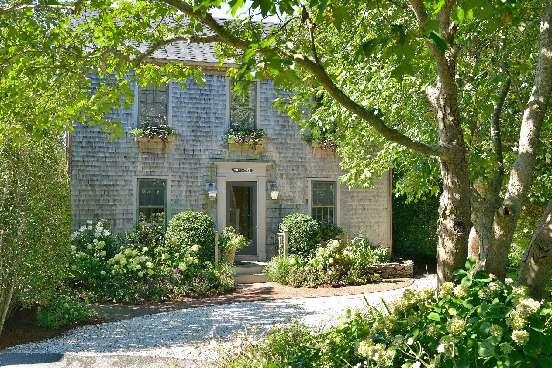 Vivienda unifamiliar por un Venta en Ideally Located 51 Milk Street Nantucket, Massachusetts, 02554 Estados Unidos