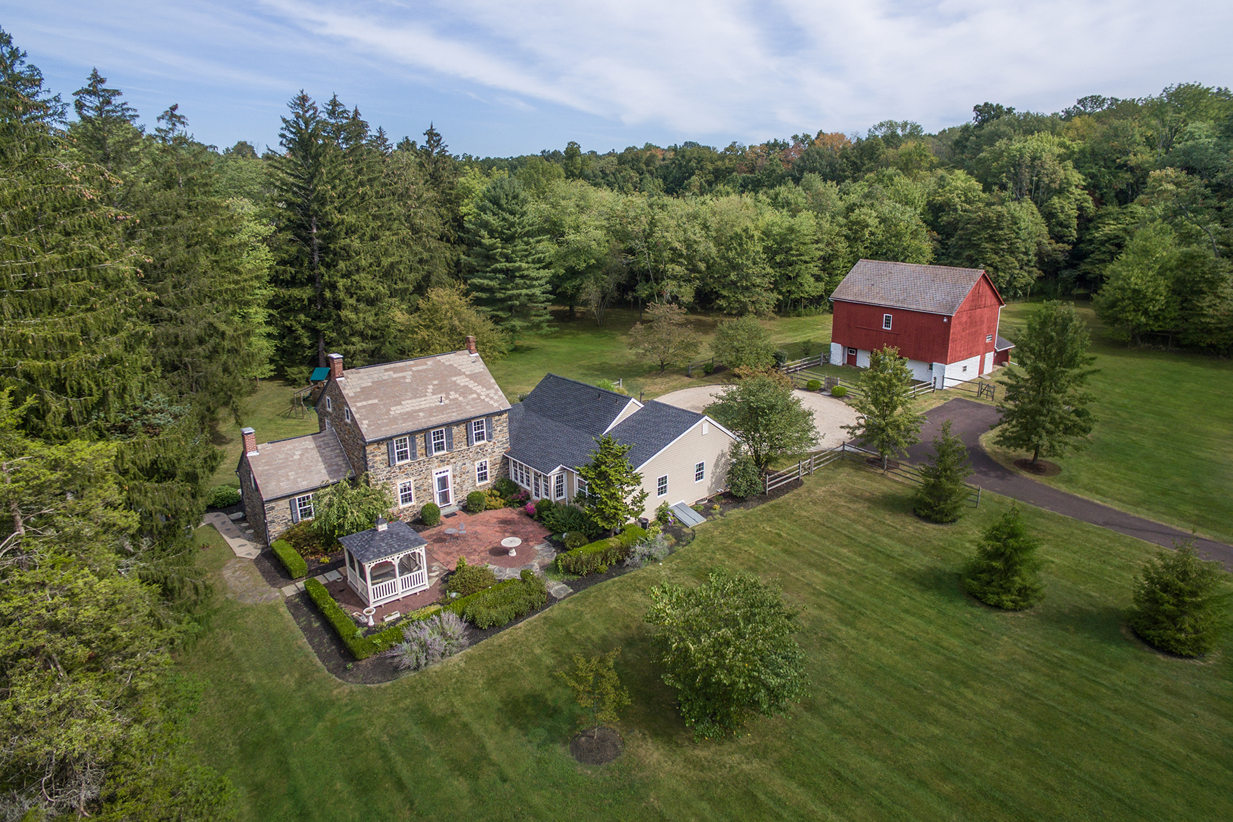 独户住宅 为 销售 在 Hidden Glade Farm 1109 Apple Rd. 夸克敦, 18951 美国
