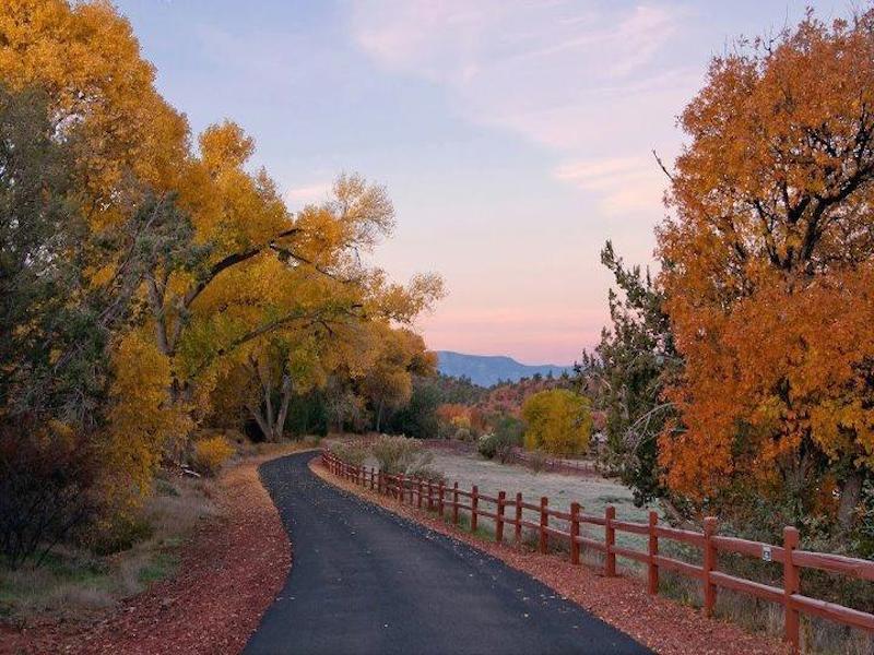 Terreno por un Venta en Creek Front Property 365 Cross Creek Circle Sedona, Arizona 86336 Estados Unidos