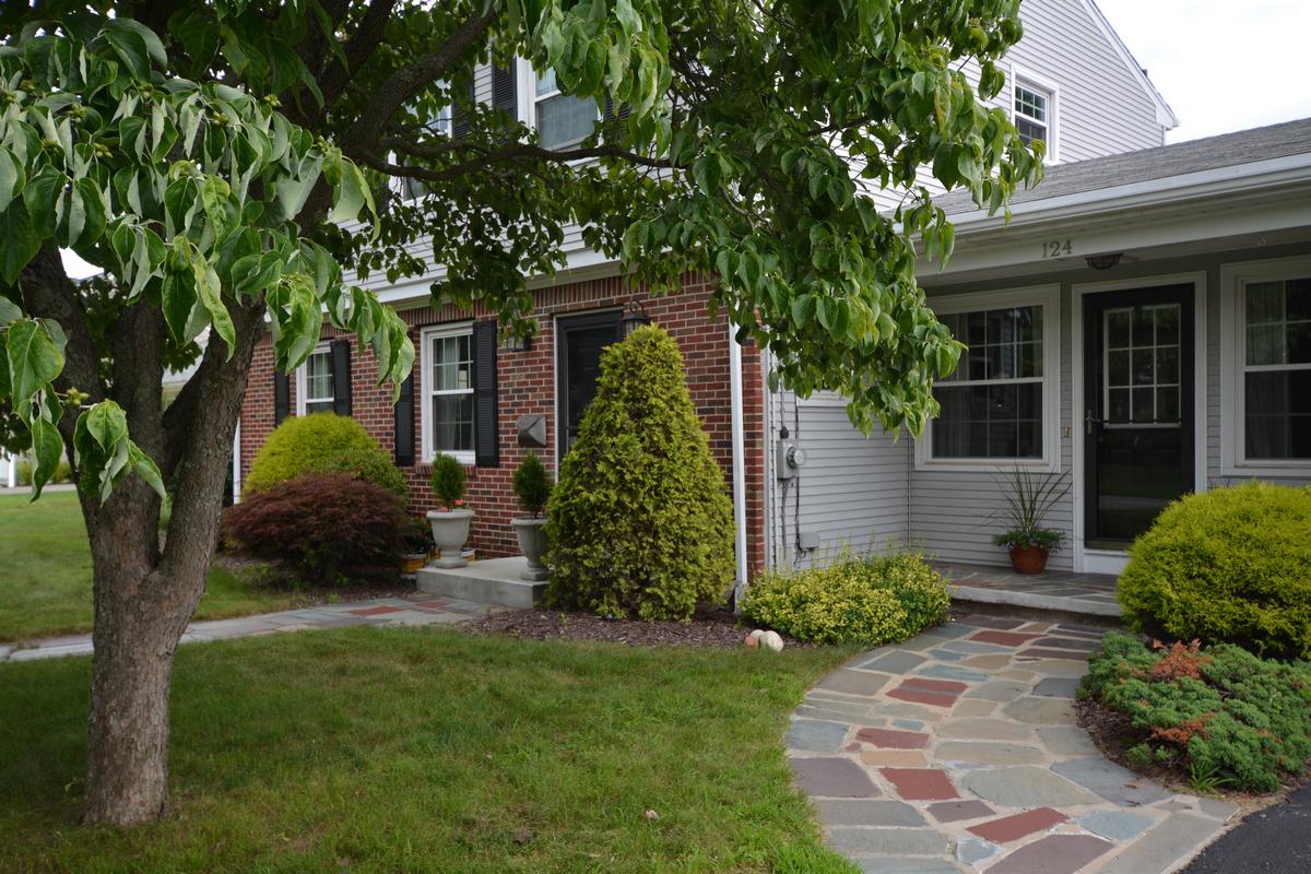 一戸建て のために 売買 アット Governor Francis Farms 124 Merry Mount Drive Warwick, ロードアイランド 02888 アメリカ合衆国