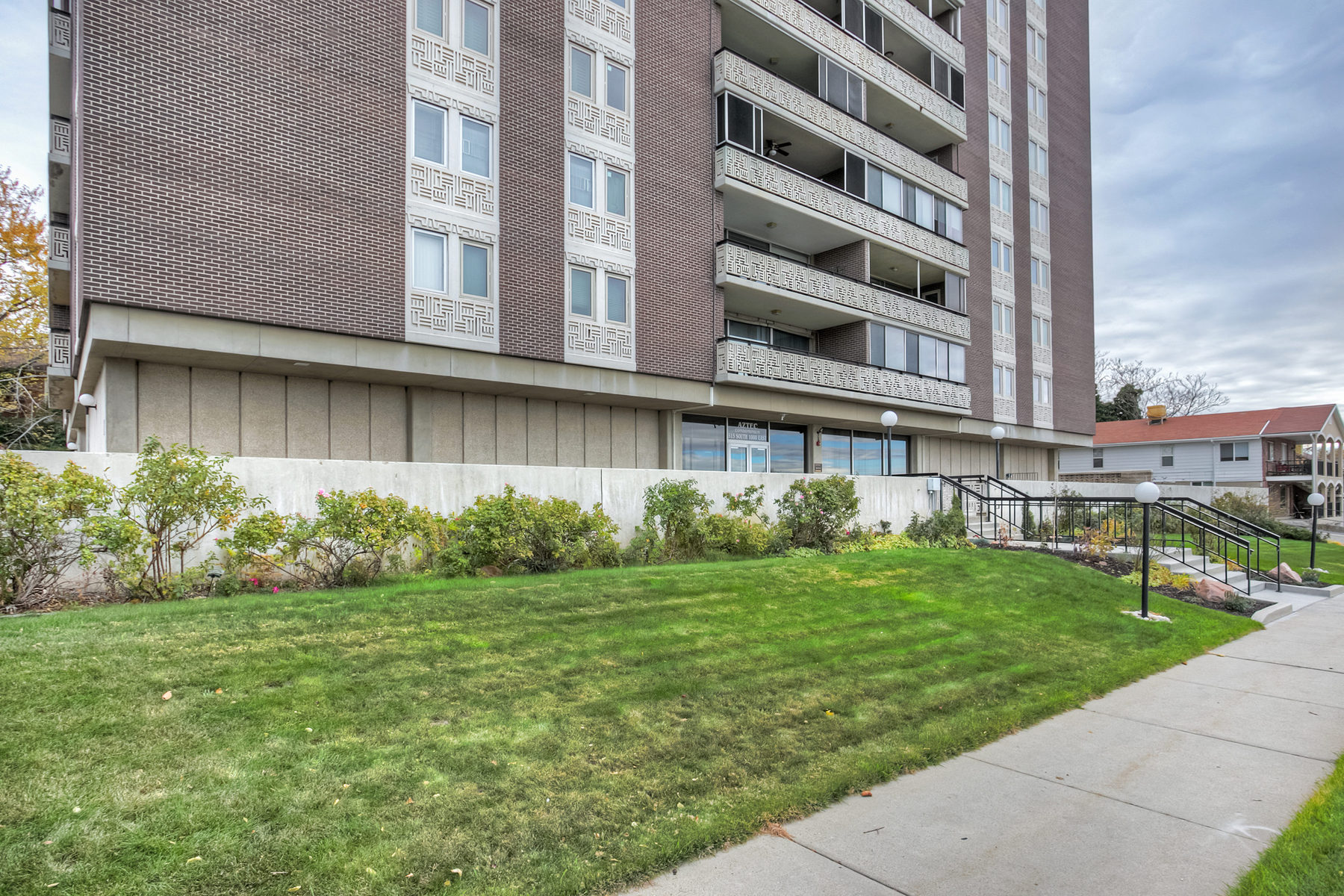 Property For Sale at 3 Bedroom Salt Lake Condo