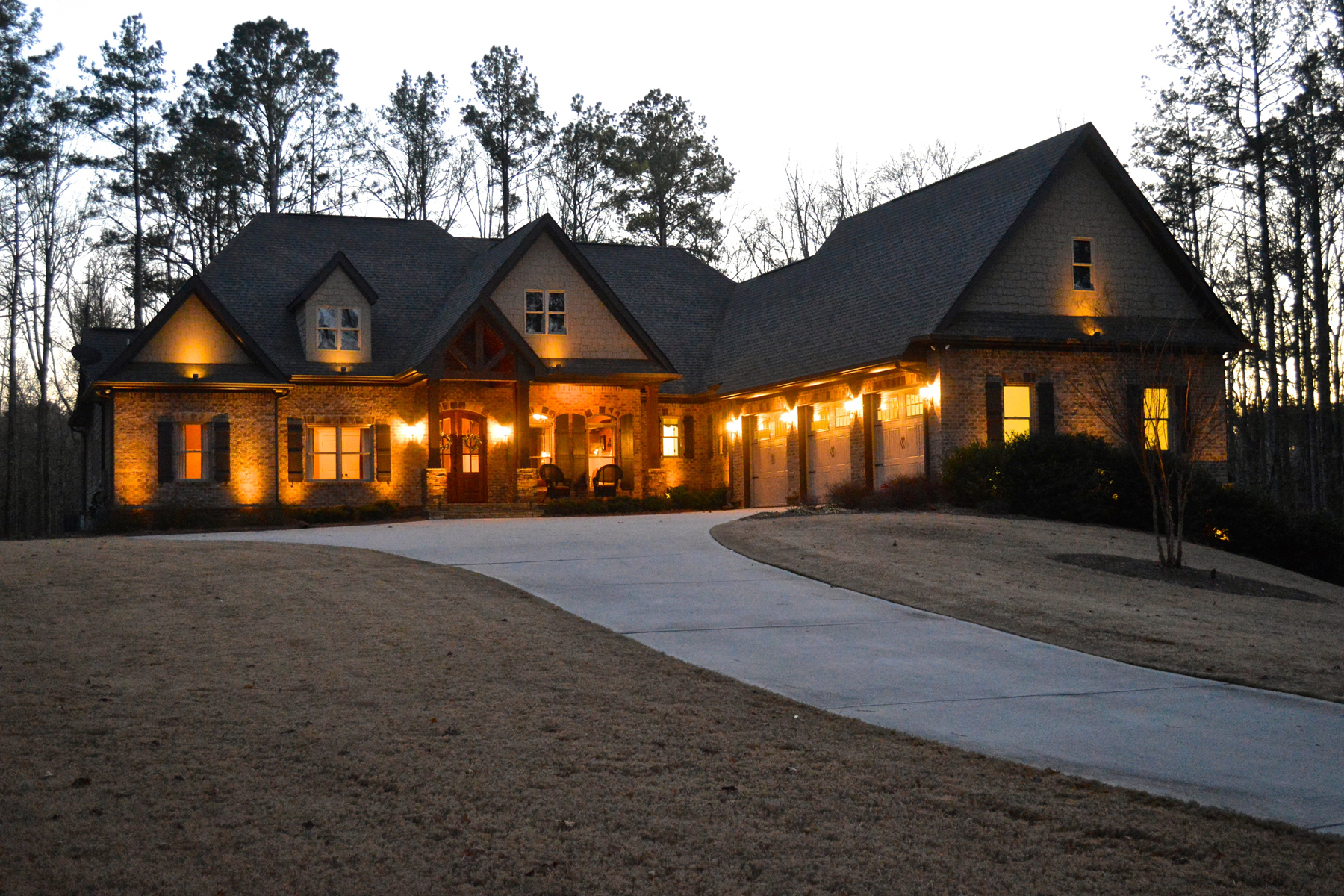Vivienda unifamiliar por un Venta en Craftsman Ranch With Basement And Pool On 5+ Acres 200 Woodbridge Place Brooks, Georgia 30205 Estados Unidos