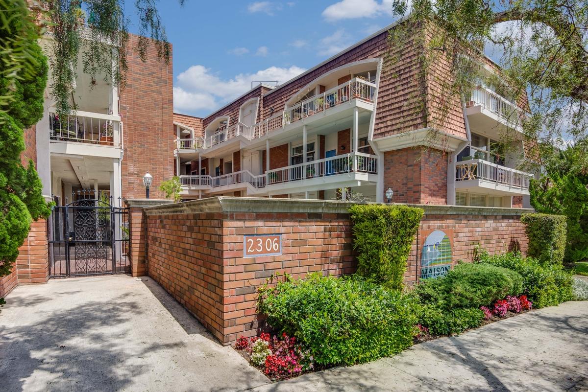 sales property at 2306 Palos Verdes Drive #202
