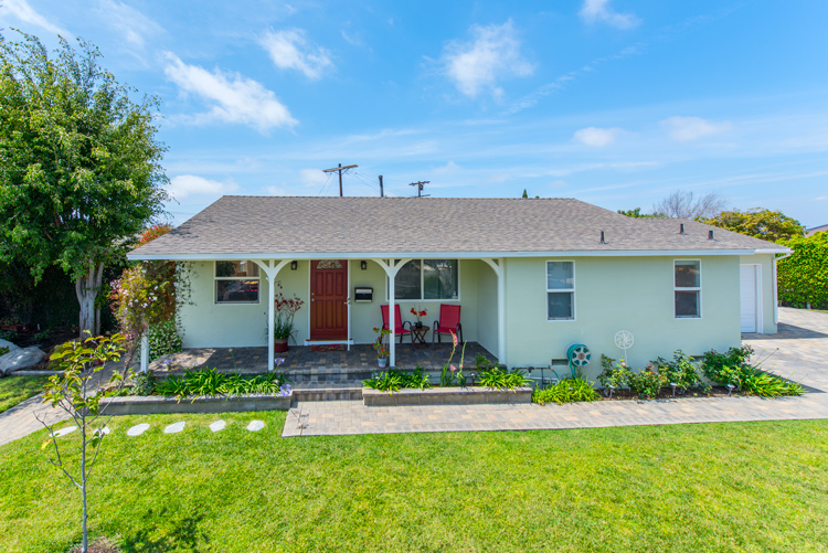 Single Family Home for Sale at 8519 Belford Ave Los Angeles, California, 90045 United States